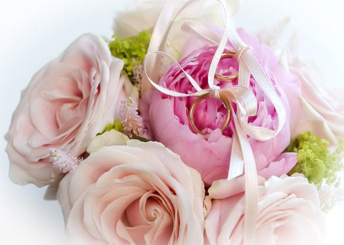 portafedi-fiori-rosa-sposi-terni
