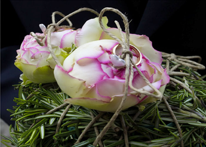 portafedi-naturale-rose-sposi